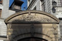 Immeuble - Deutsch: Portal, 14 rue Saint-Julien-le-Pauvre im 5. Arrondissement in Paris