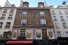 Immeuble - English: Rue Mouffetard @ Paris