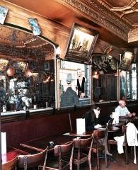 Café La Palette -  Café La Palette, 43 Rue de Seine, 75006 Paris, France.