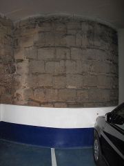 Enceinte de Philippe-Auguste - English: Remainings of a tower from the wall of Philippe Augustus in a parking 27 rue Mazarine, Paris 6th arr.