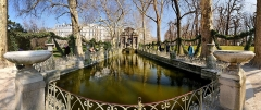 Fontaine Médicis - English: Medicis Foutain in the Jardin du Luxembourg, 6th arrondissement of Paris in France. The picture is a panorama made ​​by joining the 18 frames (6 x 3 exposures HDR).