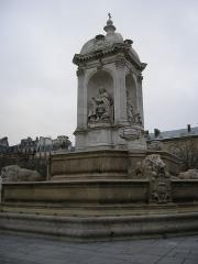 Fontaine du 19e siècle -  see filename   Statues of Jacques Bégnine Bossuet (left) and Esprit Fléchier (right)