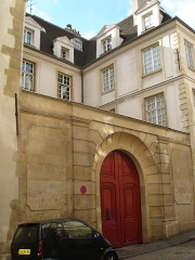 Hôtel de Foretz ou Bullion - English: 21 Rue Hautefeuille; Paris- Hôtel particulier from the 14-16 centuries. Main entrance
