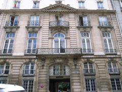 Hôtel de Montmorency-Bours - English: Embassy of Mali, 89 rue du Cherche-Midi (1757) by Claude Le Chauvre, Paris.