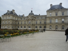 Palais du Luxembourg, actuellement Sénat - This building is classé au titre des Monuments Historiques. It is indexed in the Base Mérimée, a database of architectural heritage maintained by the French Ministry of Culture,under the reference PA00088653 .
