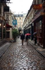 Passage de la Cour du Commerce Saint-André (voir aussi : Enceinte de Philipe-Auguste) -  Cour du Commerce-Saint-André (Paris)