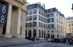 Théâtre de l'Odéon - English: After five years in the Relais Médicis, Cioran has been standing for 15 years in the hotel Michelet Odéon