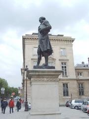 Hôtel des Monnaies (voir aussi : enceinte de Philippe-Auguste) - French sculptor