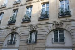Immeuble - Deutsch: Haus 30, rue de Lille in Paris (7. Arrondissement)