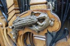 Pharmacie -  Lizard @ Door handle @ Paris 7