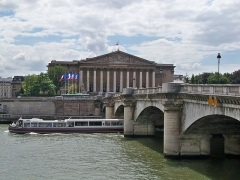 Pont de la Concorde - English: Building of the French Nationale Assembly, near the Seine River, Paris, France