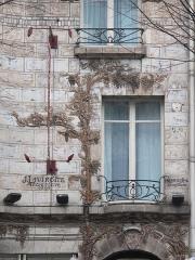 Céramic Hôtel - English: Window of the Ceramic hotel, 34 avenue de Wagram, Paris 8th arr.