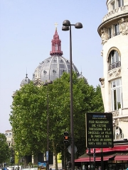 Eglise Saint-Augustin - English: City annoucement in Paris after the 2003 European heat wave. The message gave a free phone number for people who needs to find if a member of their family died of heat.
