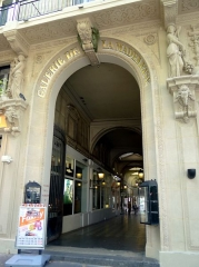 Galerie de la Madeleine (1 à 7) - English: Madeleine place - Paris