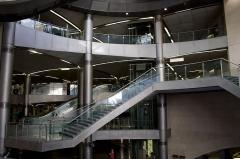 Métropolitain, station Saint-Lazare - English: Interior of Saint-Lazare station of Paris Metro.