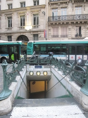 Métropolitain, station Saint-Lazare - English: Metro station in the rue de Rome (Paris 8th arr). In fact, it is an exit and so, there are no the typical poles