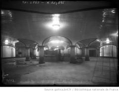 Métropolitain, station Saint-Lazare - French photo agency