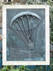 Parc Monceau -  André-Jacques Garnerin plaque, Parc Monceau.