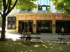 Théâtre Marigny - English:   Paris, France. A young couple in front of the Theatre.