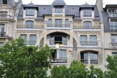 Immeuble -  Paris Marriott Hotel Champs-Elysees, Paris, France.   Champs-Élysées stage, 2010 Tour de France.