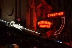 Bouillon Chartier - Italiano: L'insegna del ristorante parigino Bouillon Chartier su rue du Faubourg Montmartre.