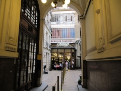 Bouillon Chartier - English: Entrance to the restaurant Chez Chartier