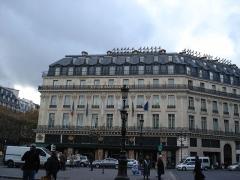 Grand Hôtel - English: Street View of Paris