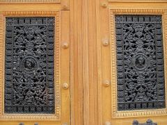 Immeuble - English: Detail of ornated door : 3bis rue d'Athènes, Paris 9th arr.
