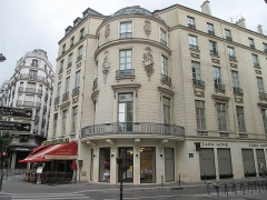 Immeuble ou ancien Hôtel de la Haye - English: Mansion Marin-Delahaye at the junction of the boulevard de la Madeleine and the rue de Caumartin, Paris 9th arr.)