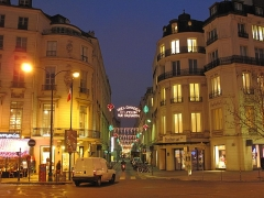 Immeuble ou ancien Hôtel de la Haye - English: Rue de Caumartin, Paris 9th arr. at night at the end of 2009. Looking north.