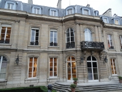 Mairie annexe du neuvième arrondissement - English: Town Hall of the 9e arrondissement of Paris, seen from the garden side.