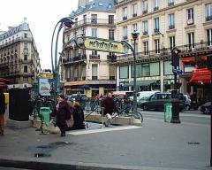 Métropolitain, station Cadet -  Station Cadet du Métropolitain de Paris.