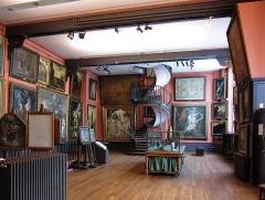 Musée Gustave Moreau - Le premier étage de l'atelier au musée Gustave-Moreau.