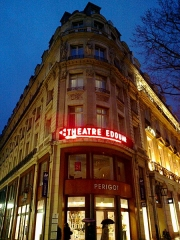 Théâtre Edouard VII et immeubles -  Paris Boulevard Des Capucines Annonce Theatre Edouard VII 02042016