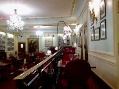 Théâtre Edouard VII et immeubles -  Paris Theatre Edouard VII Restaurant 02042016