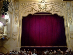 Théâtre Edouard VII et immeubles -  Paris Theatre Edouard VII Scene 02042016
