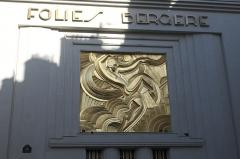 Théâtre des Folies-Bergère - Deutsch: Folies Bergère in der Rue Bergère im 9. Arrondissement in Paris, Fassade mit Art-Déco-Relief
