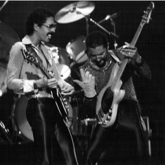 Théâtre Mogador - English: The Brothers Johnson Band in Paris, France