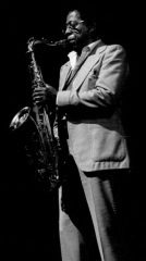 Théâtre de l'Olympia - English: American tenor saxophone player Herb Hardesty in Paris, France