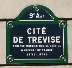 Cité Trévise -  Plaque de la Cité de Trévise, Paris 9e
