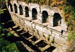 Fontaines dites du Coq, de la Vierge et des Sept Saints de Bretagne - Brezhoneg: Bulad-Pestivien. Feunteun ar Seizh Sant. s-e