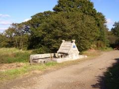 Fontaine Saint-Maur - Brezhoneg: Kalanhel. Sant-Maor. Feunteun. 6