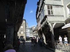Maison - עברית: בתי עץ בדינאן