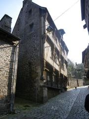 Maison dite du Gouverneur ou ancien château Ganne -  dinan maison rue du jerzual