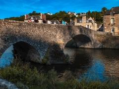 Vieux pont - Deutsch: 2-bogige alte Steinbrücke in Dinan (Vieux Pont)