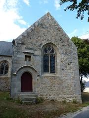 Chapelle Notre-Dame de Douarnec - Français:   Chapelle du 16ème siècle dans un enclos arboré