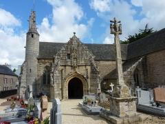 Eglise Saint-Loup - Français:   Lanloup: l\'enclos paroissial