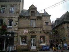 Maison - Français:   Maison MH, dite de Pierre Loti, 24 place du Martray à Paimpol