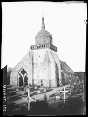Eglise Saint-Jacques - French photographer and military officer