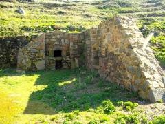 Fort de l'île aux Moines, dans l'archipel des Sept-Iles - Français:   Un élément de la caserne